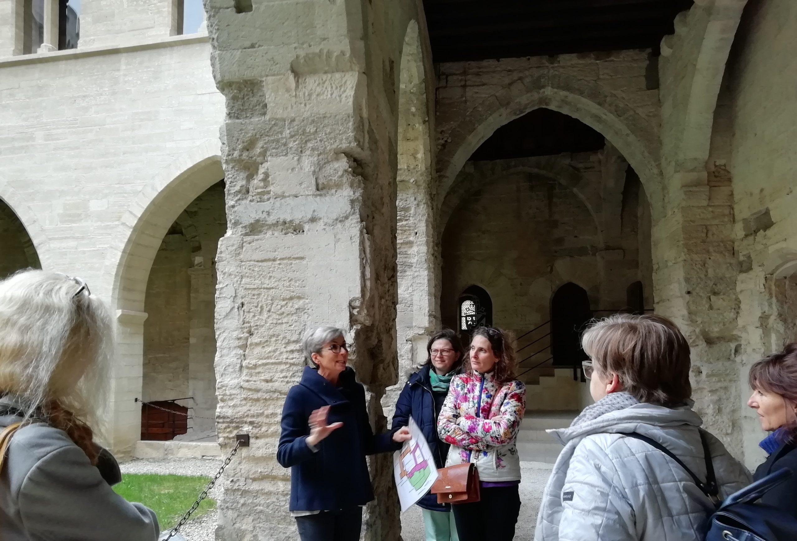 Rencontre AEPF sud-est. Visite des archives départementales du Vaucluse au Palais des Papes, Avignon