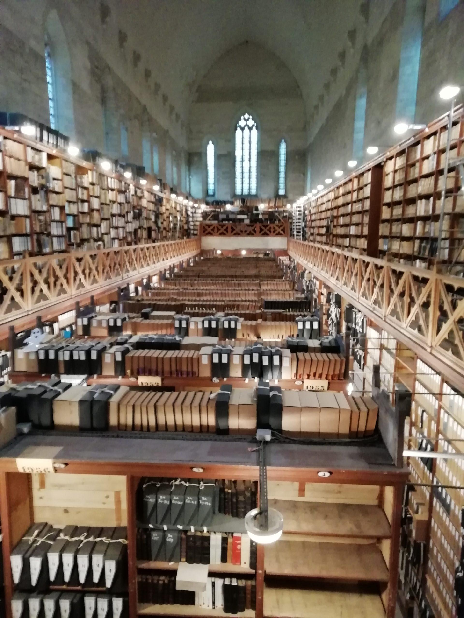 Rencontre régionale AEPF sud-est. Visite du magasin principal aux archives départementales du Vaucluse